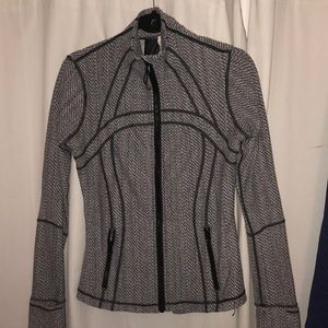 Grey and white lulu define jacket